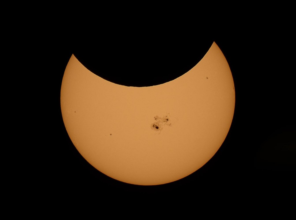 At maximum eclipse, about 43% of the Sun's diameter was covered by the Moon. ©2014 by Fred Espenak.